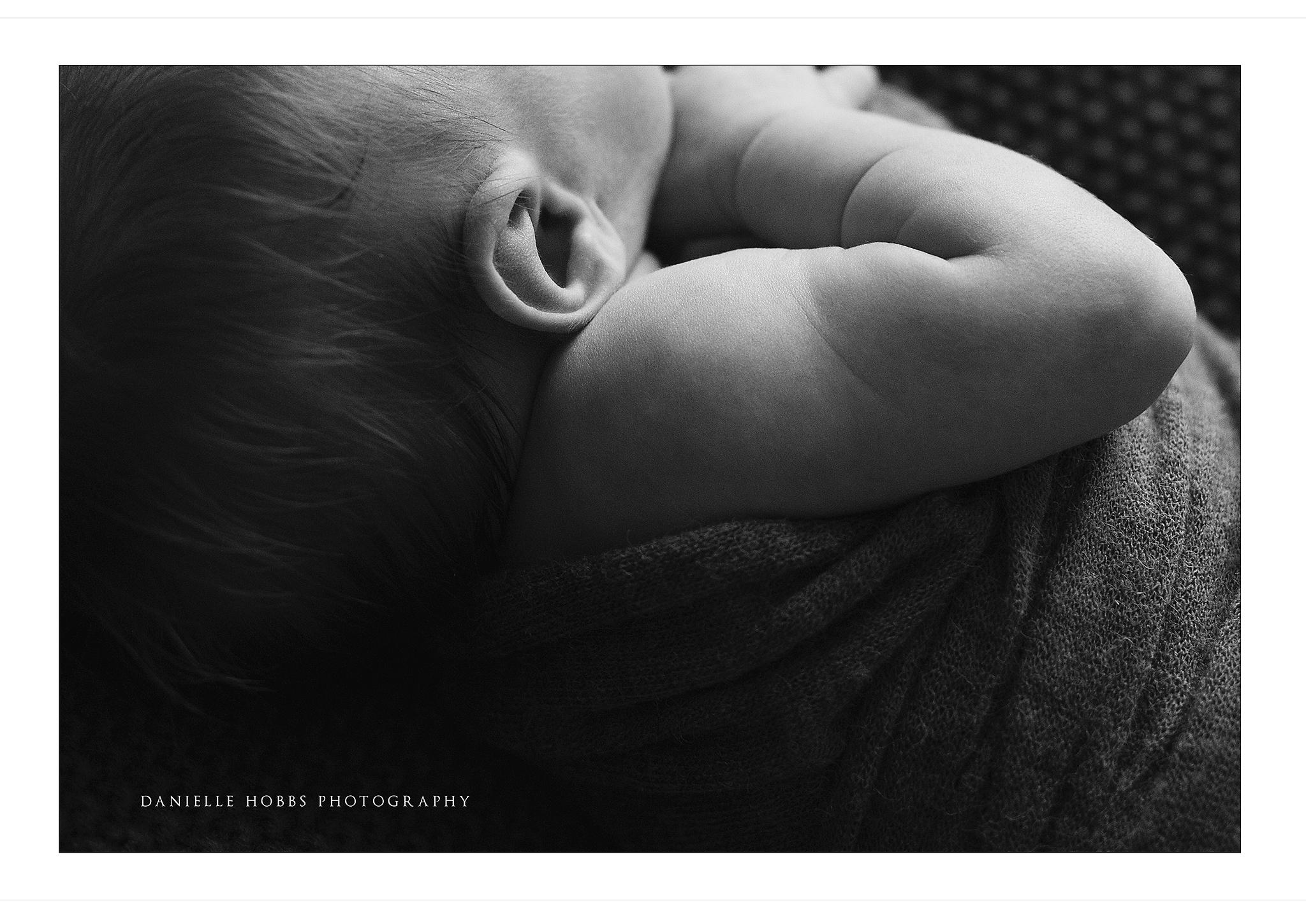 relaxed newborn photography NOVA